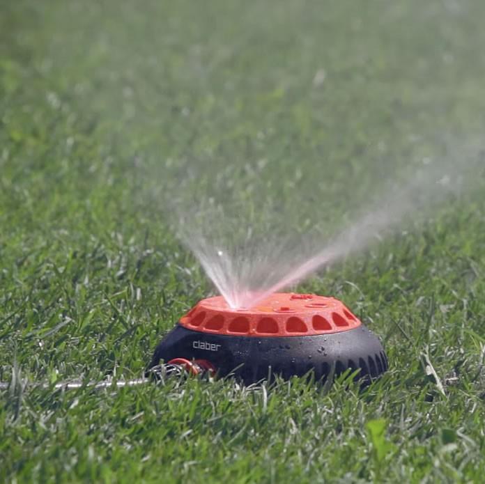 Irrigatore per prato e giardino claber 8654 for Irrigatori getto rettangolare