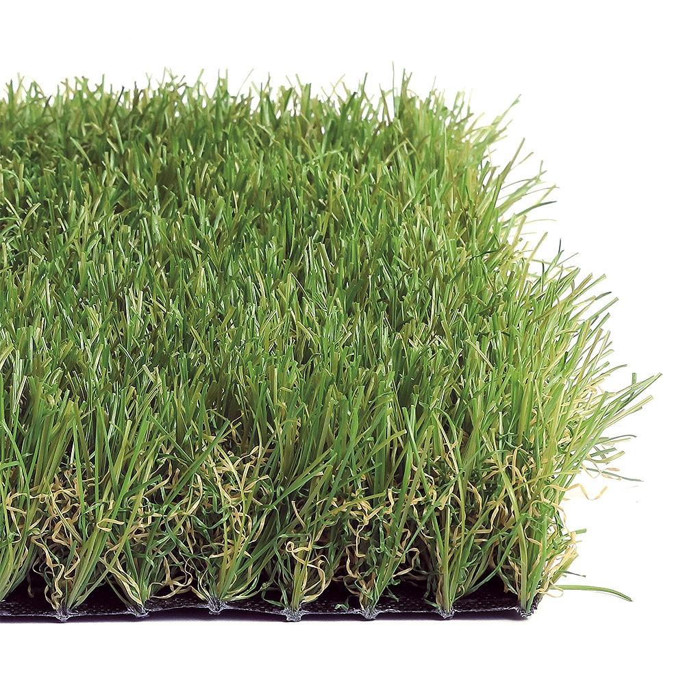 Erba sintetica alta per giardino e terrazzo in offerta for Erba per giardino
