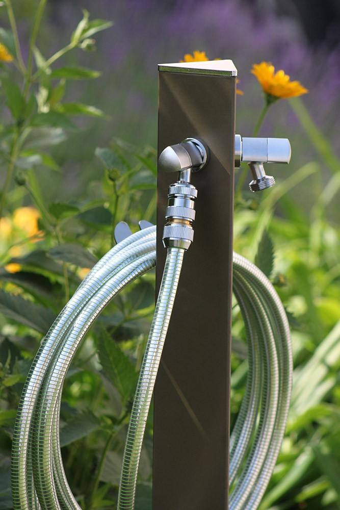Fontana a colonna per giardino con base inox in offerta su for Tubo giardino 5 8