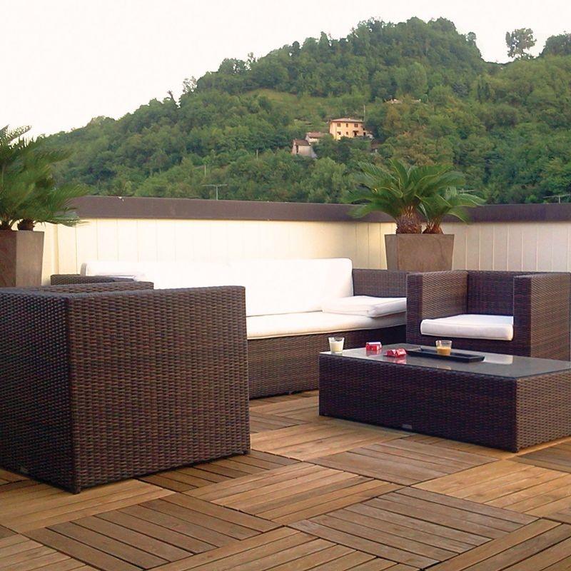 Pavimento in legno teak per esterno e giardino piastrella for Pavimento galleggiante prezzo