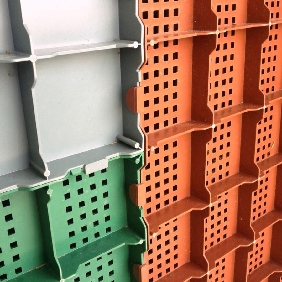Piastrella in plastica da esterno per pavimentazione - Piastrelle ad incastro ...