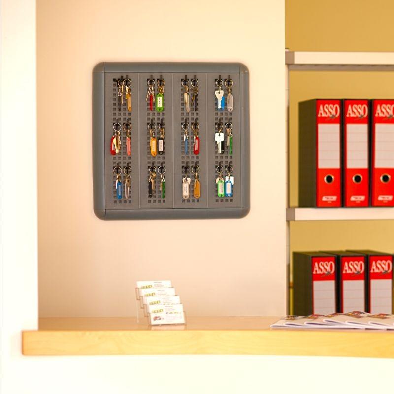 Parete porta attrezzi da appendere modulare 60x60cm for Oggetti da parete design