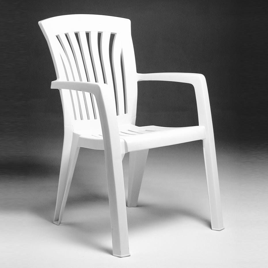 Sedia in plastica da giardino diana nardi for Sedie da giardino economiche