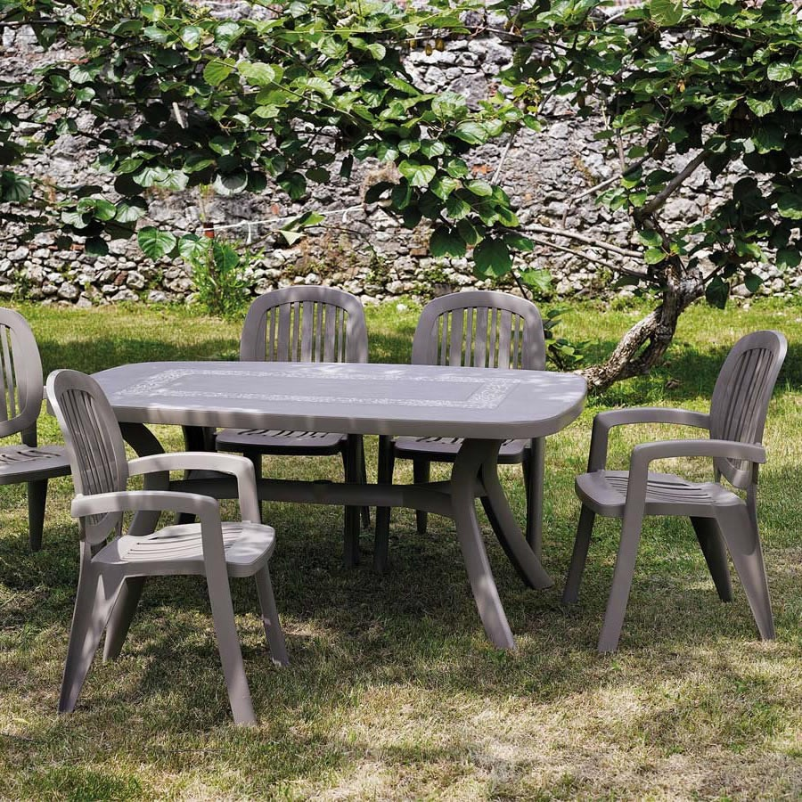 Sedia classica in plastica da giardino creta nardi for Nardi arredo giardino