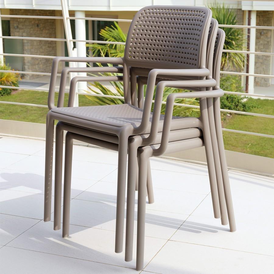 Sedia da giardino ed esterno con braccioli bora nardi for Sedie da giardino economiche