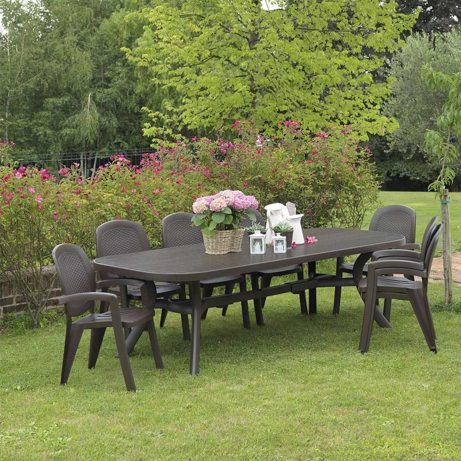 Sedia in plastica effetto vimini creta wicker nardi for Tavolo con sedie da giardino offerte