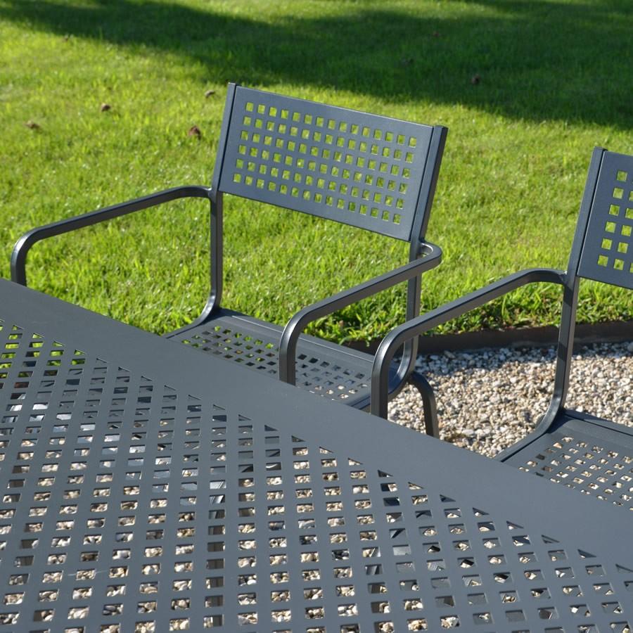Sedie e tavoli in ferro per giardino - Mobili da giardino in ferro ...
