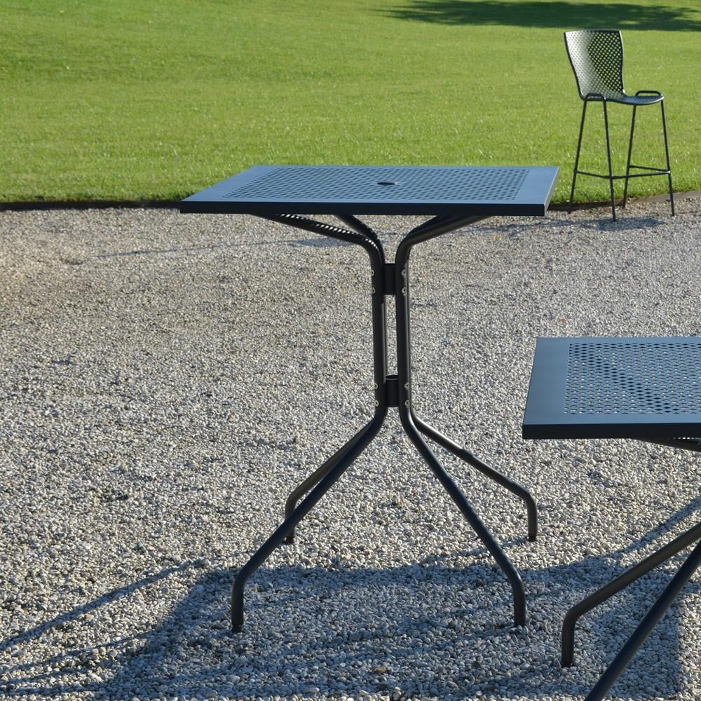 Tavoli alti in ferro per esterni e giardino vendita online - Tavolo ferro giardino ...