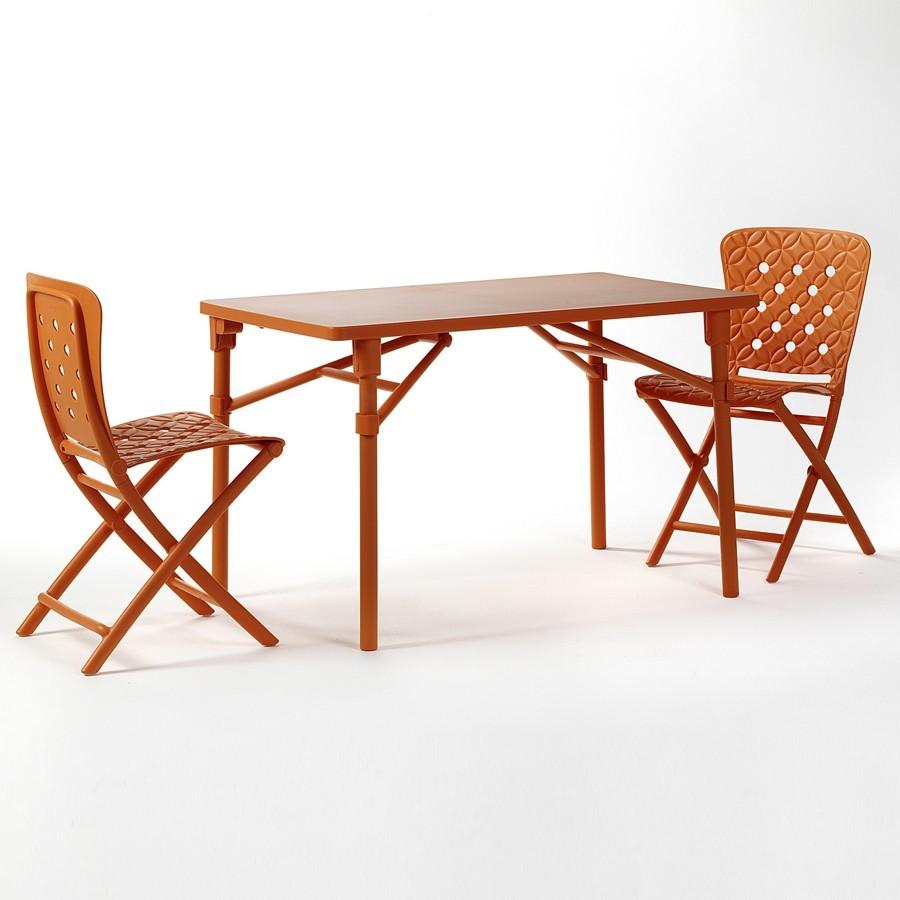 Tavolo e sedie pieghevoli da giardino ed esterno Zic Zac Spring ...