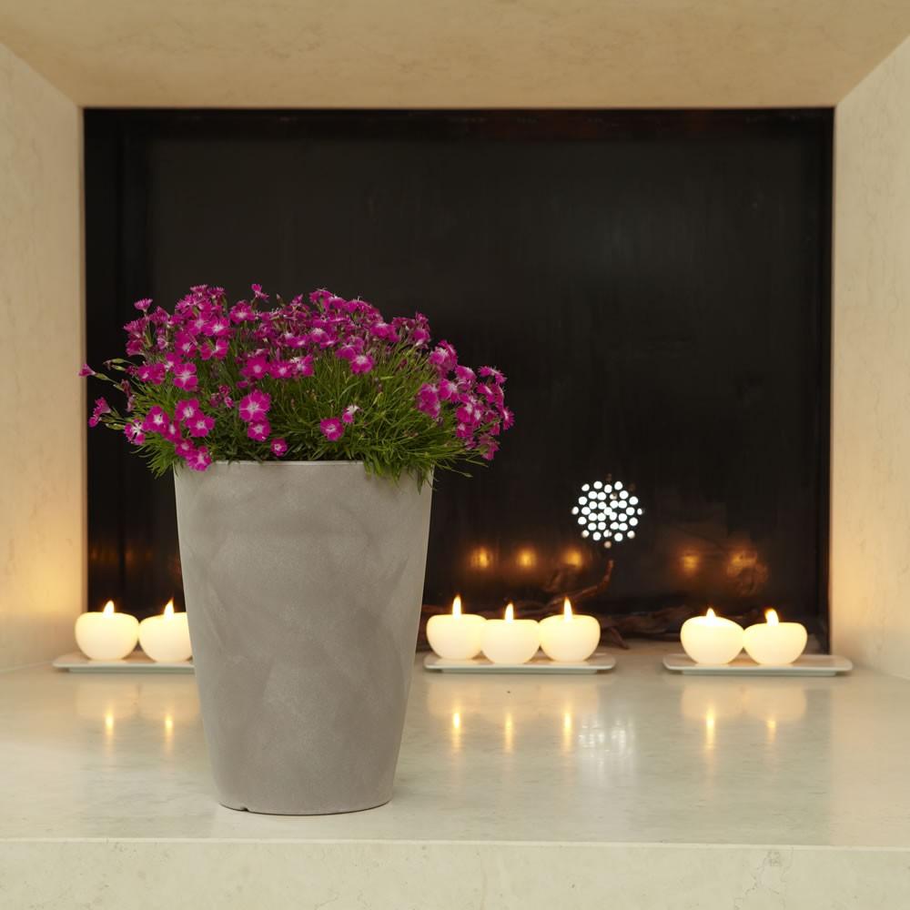 Vaso in resina per esterno e casa tylus nicoli for Vasi esterno