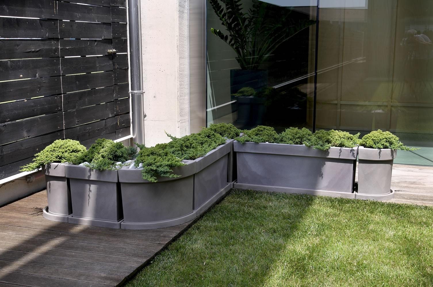 Vaso a cassetta rettangolare themis nicoli for Vasi per terrazzi in resina