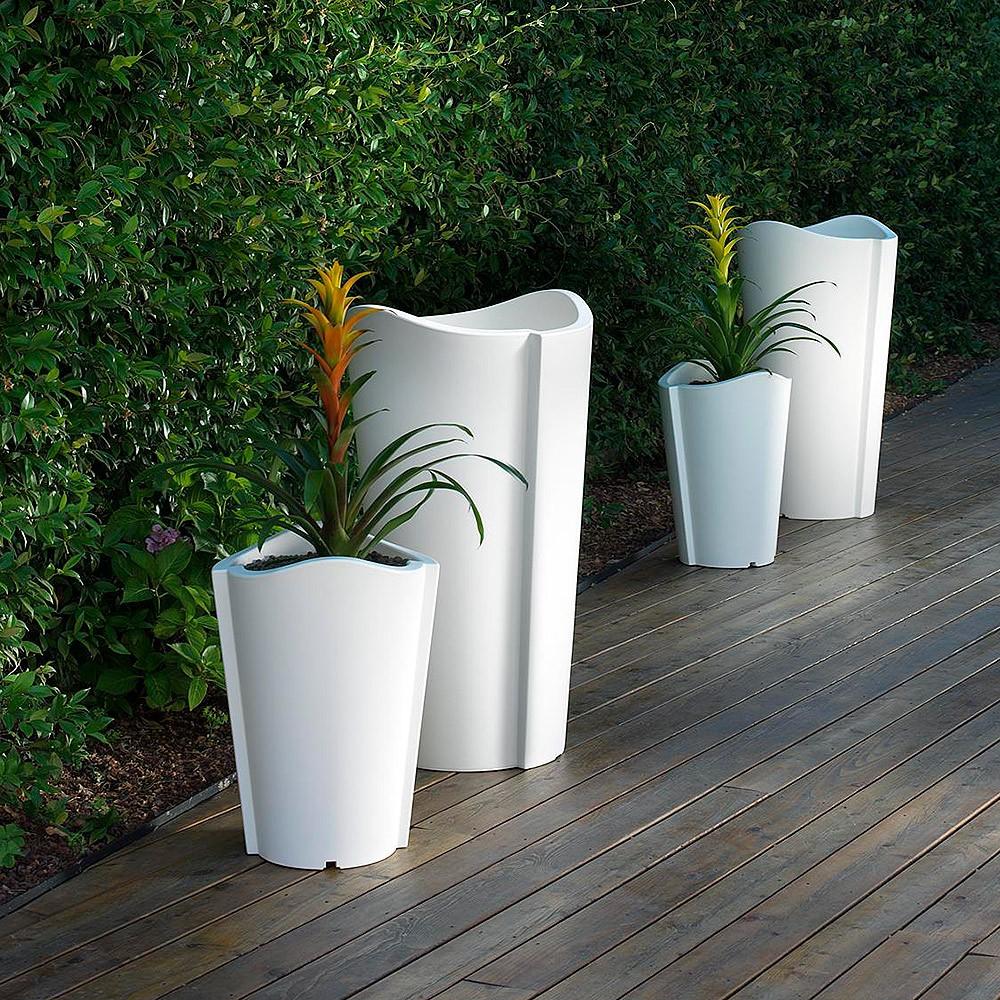 Vaso di design per esterno bassano for Alberelli da vaso per esterno