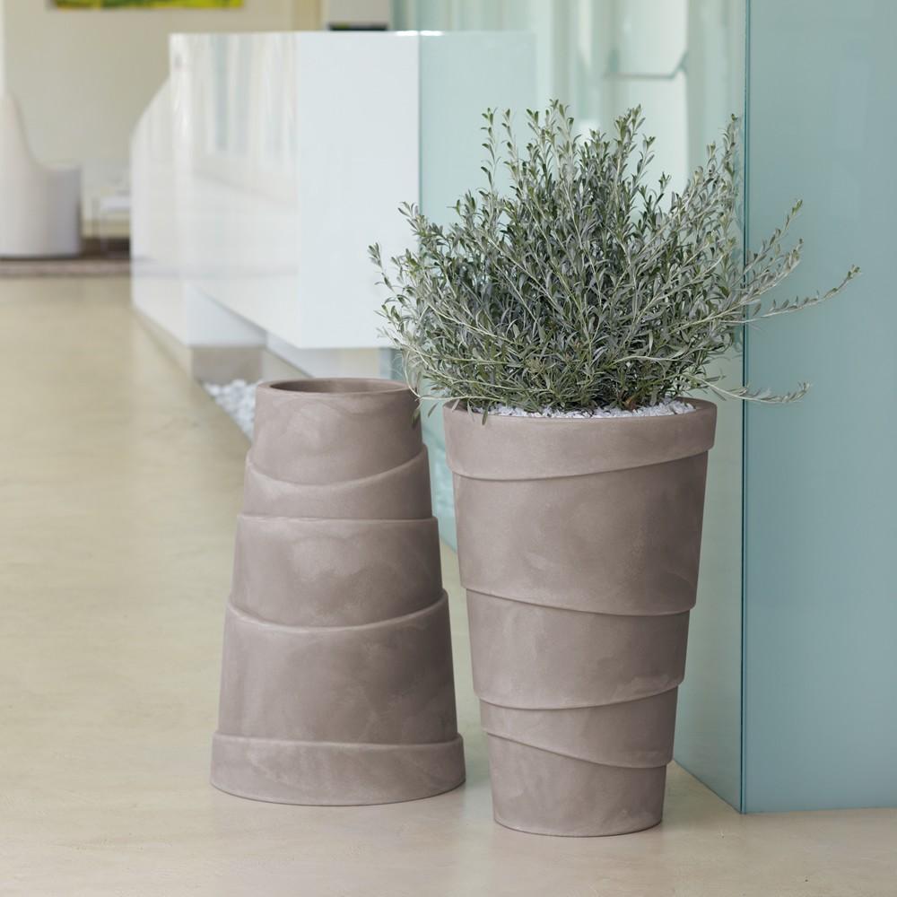 Vasi da giardino e casa in plastica zig zag nicoli for Vasi moderni da terra
