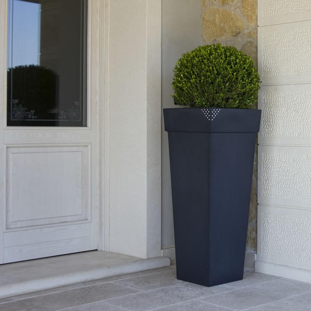 Portavasi resina esterno vaso kube high luminoso khilia design vasi d arredo per interni with - Vasi di arredamento da interni ...