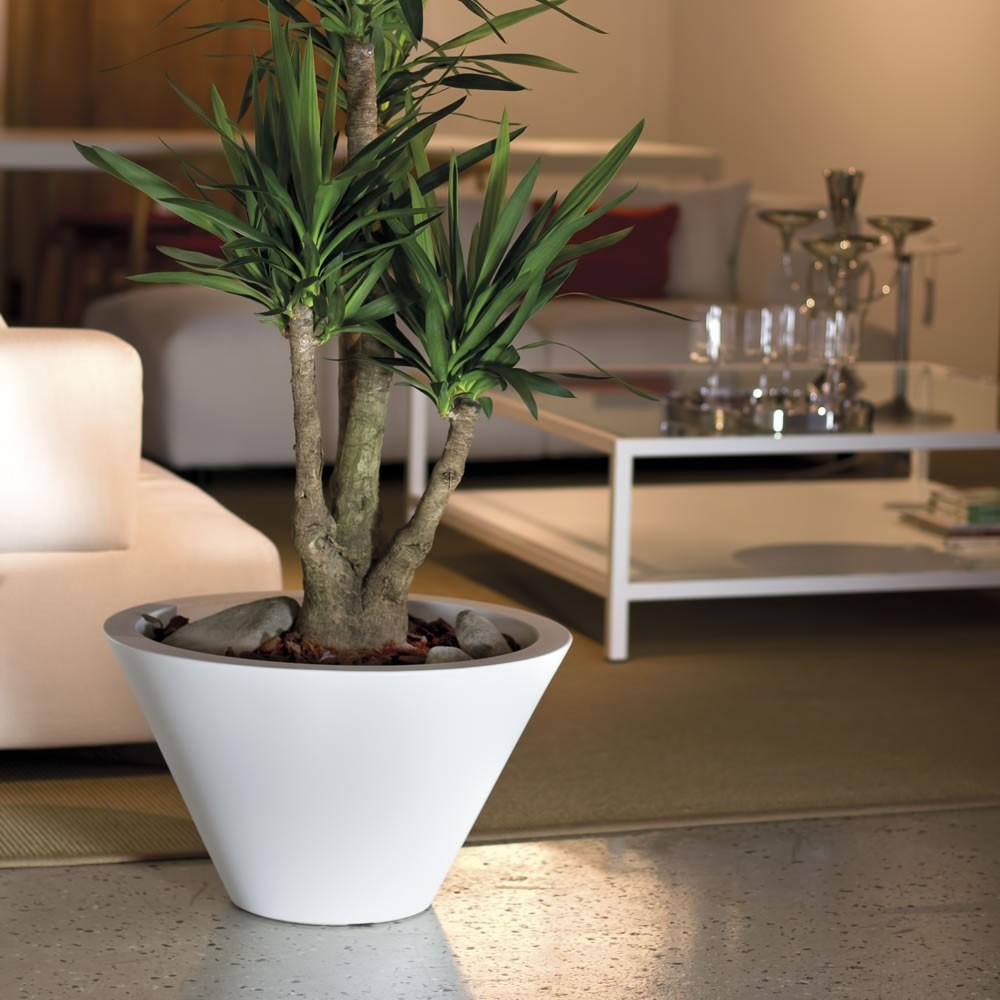 Vasi in resina chiron nicoli for Vasi per piante da interno moderni
