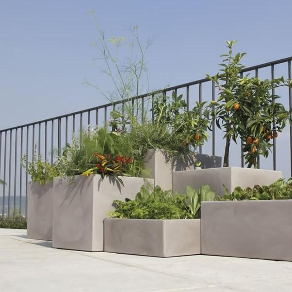 Vaso grande quadrato momus nicoli - Vasi moderni per esterno ...