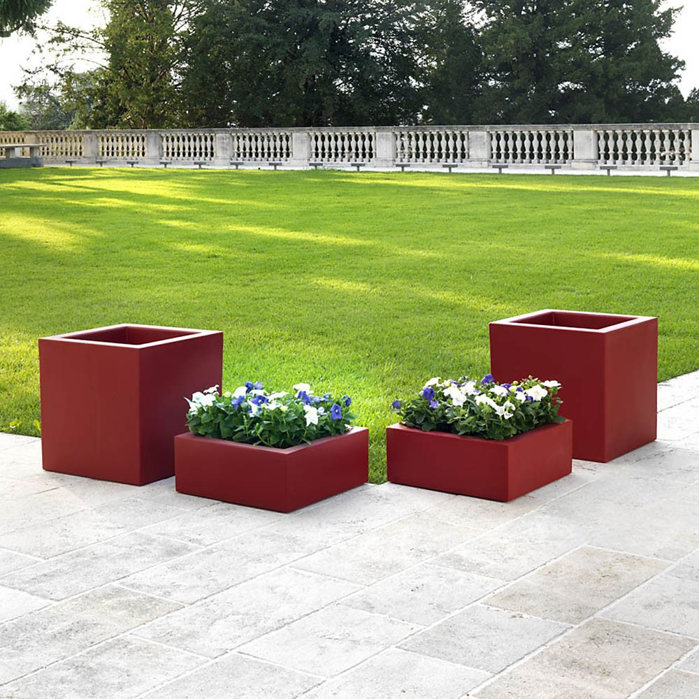 Vaso quadrato basso per giardino schio cubo for Alberelli da vaso per esterno