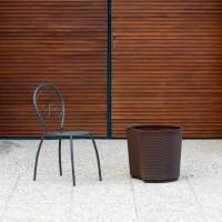 Vaso di design. Finitura rigata. Colore Bronzo (∅41 x H47 cm)