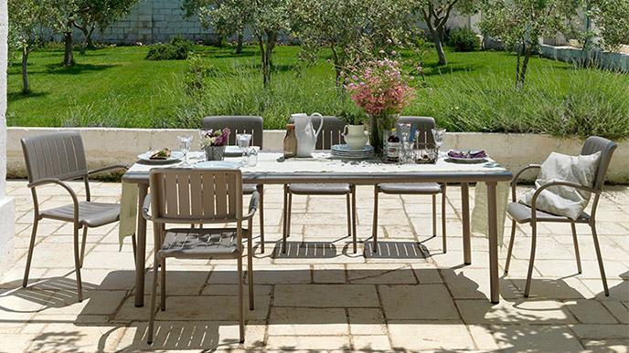 tavolo rettangolare da giardino